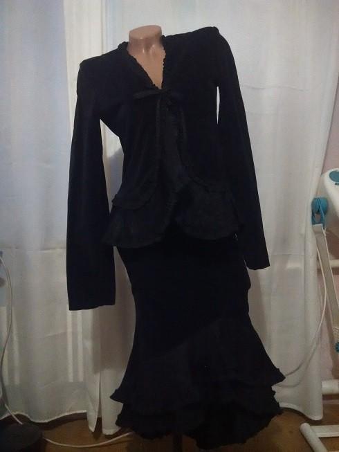 Красивый костюм юбка накидка пиджак. 44р