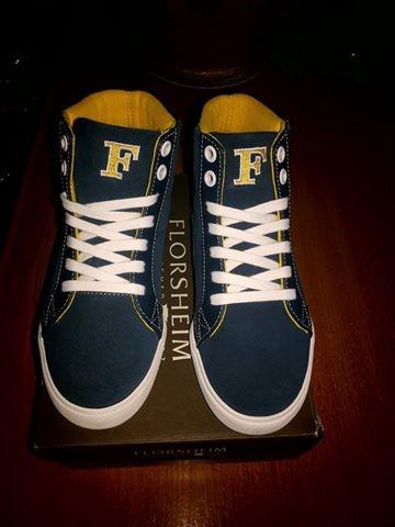 Модная обувь для мальчика.Куплена в Америке.Кожа Американская фирма Florsheim