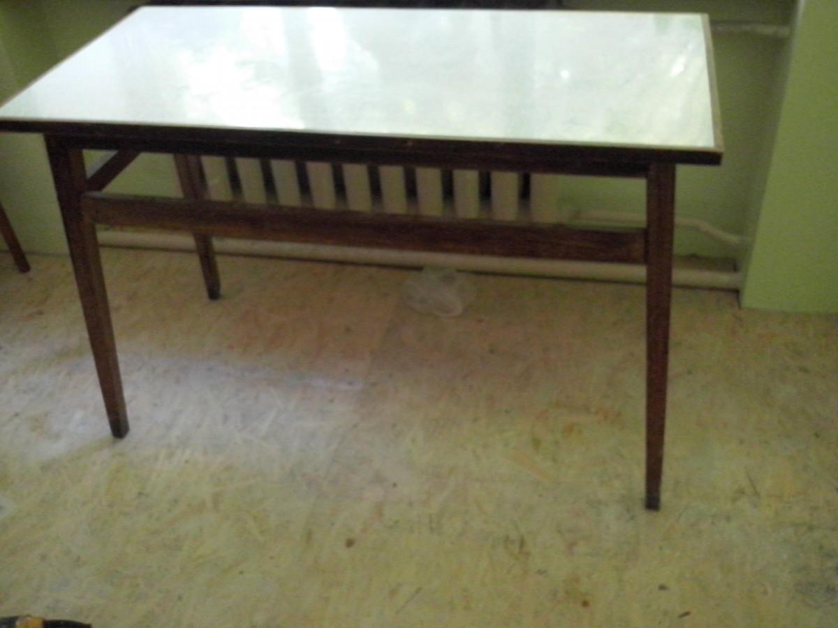 Продам столы (10 штук)