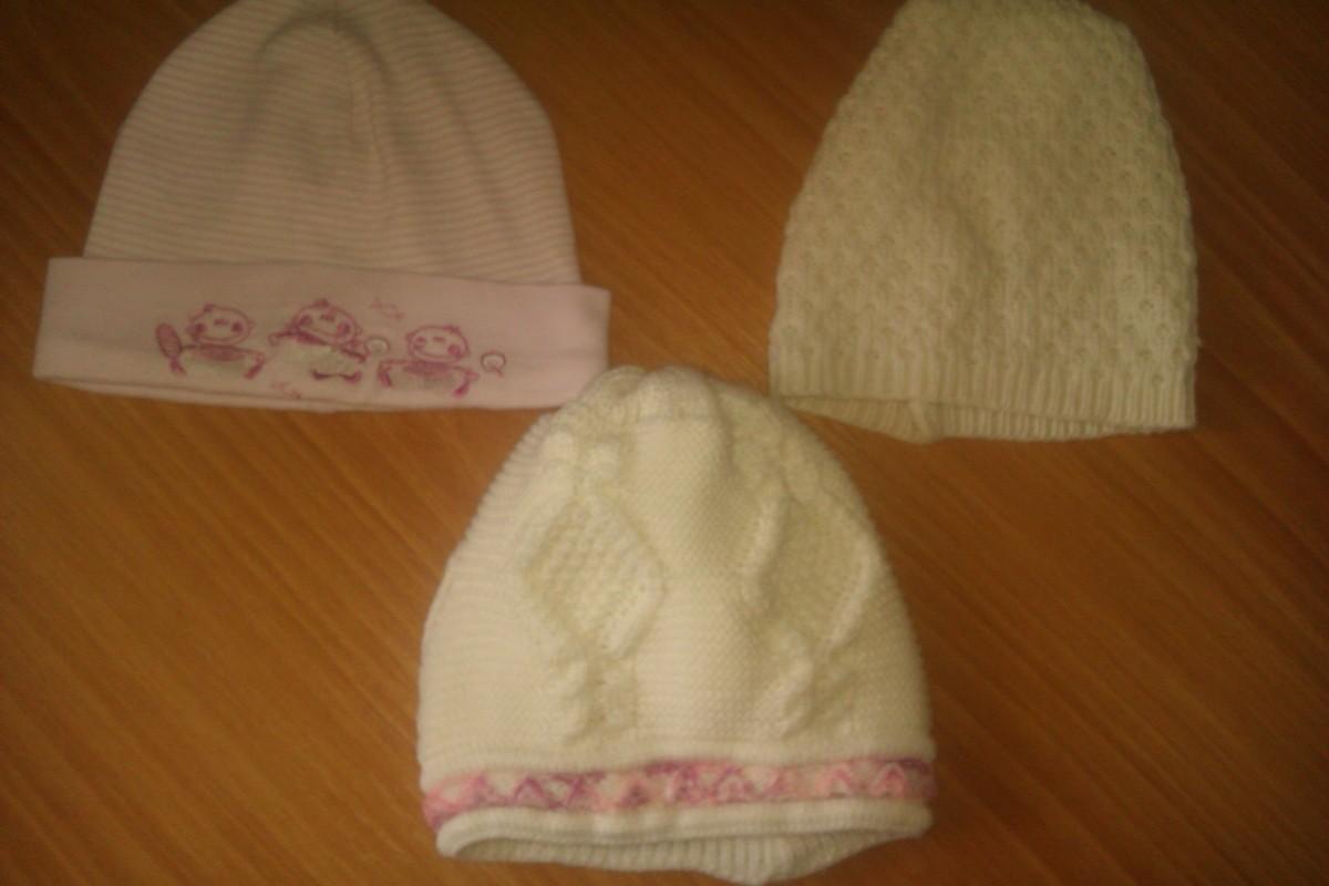 Продам демисезонные шапки от 6 месяцев и до 4-х лет