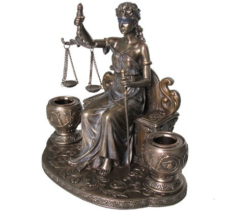 Адвокат з сімейного та кримінального права