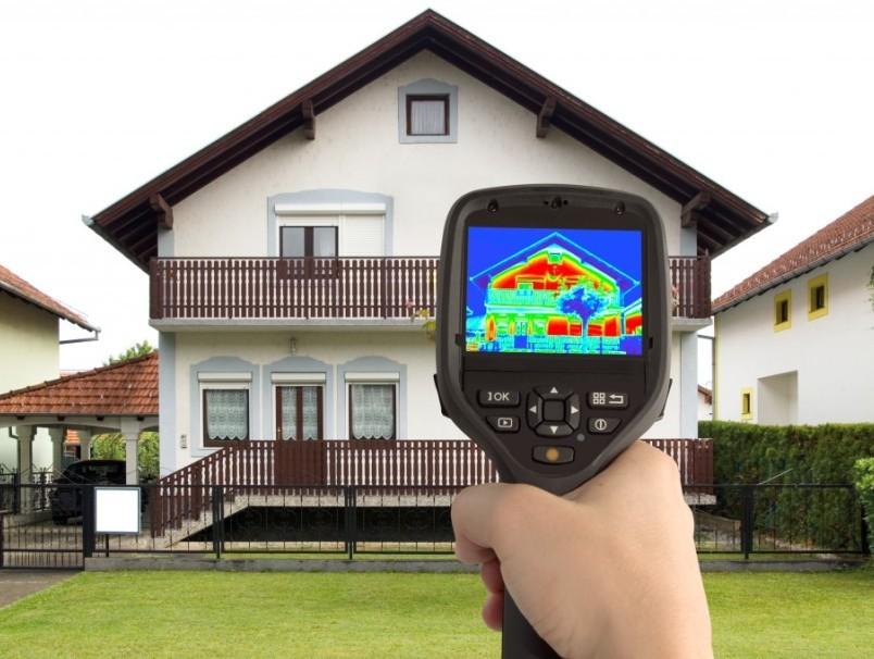 Pаботы по утеплению и остеклению фасадов  зданий, домов, коттеджей.