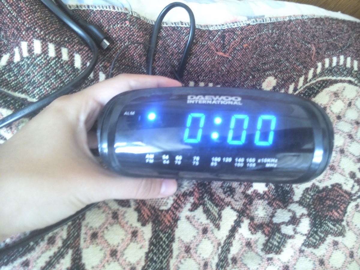 Продам часы-радио Daewoo International CT-3193