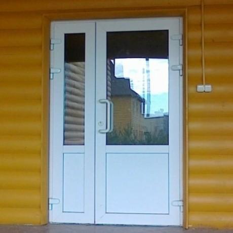 Двери входные, балконные металлопластиковые REHAU, WDS