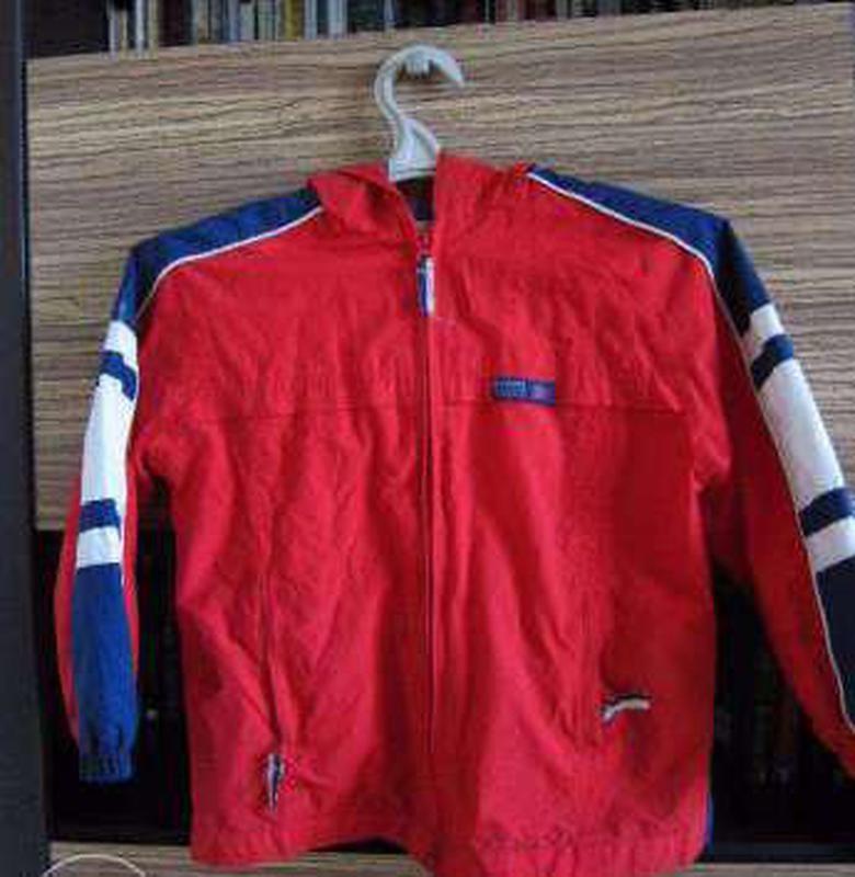 Куртка,ветровка carter`s на мальчика 7 лет