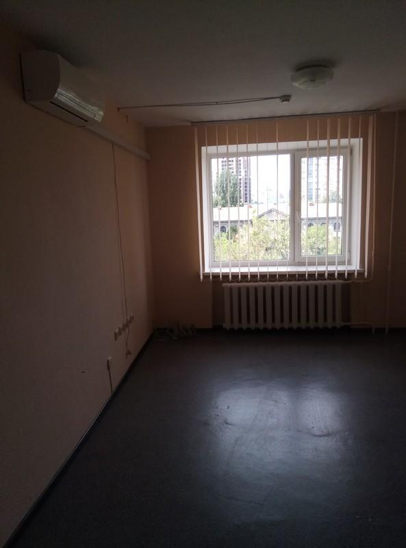 Предлагается Офис 2 кабинета, 45 кв. м. ст. м. Дворец Украины