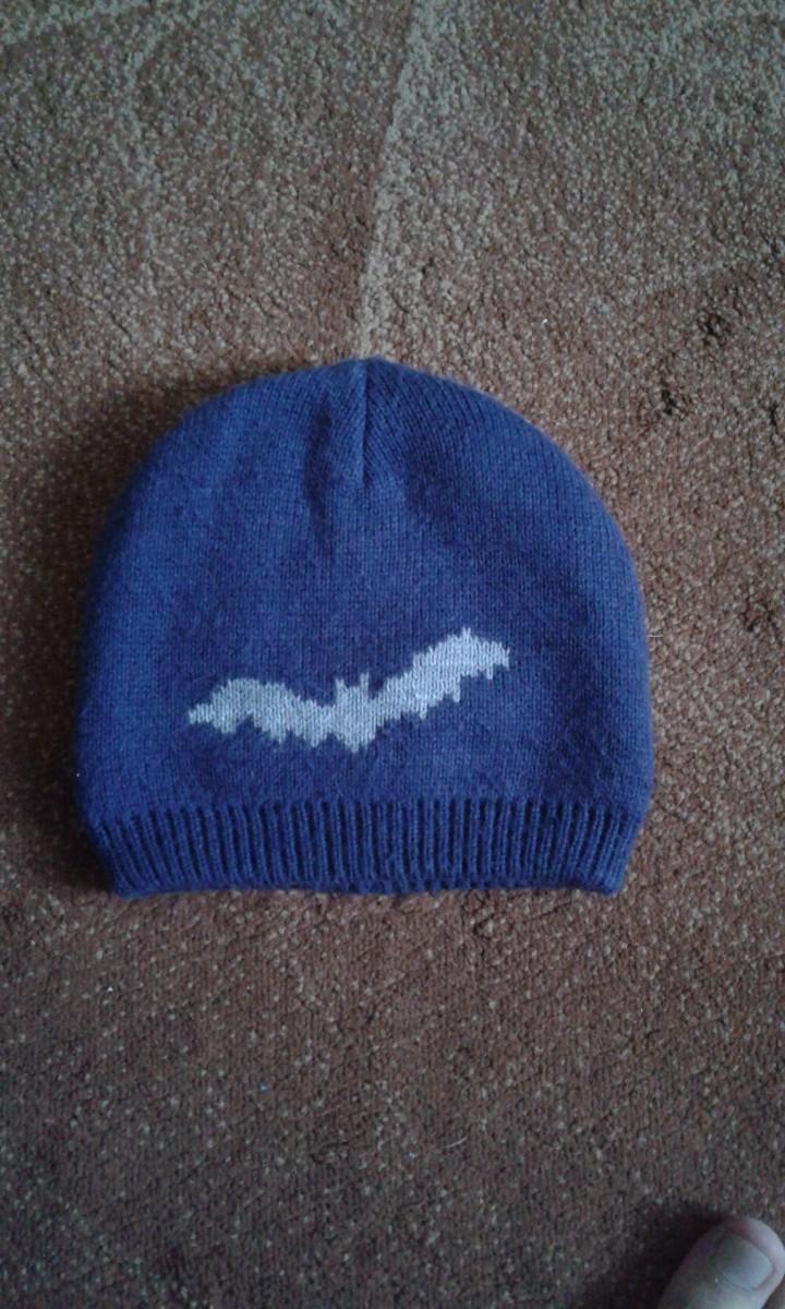 Продам шапку для мальчика. Принт Бетмен.