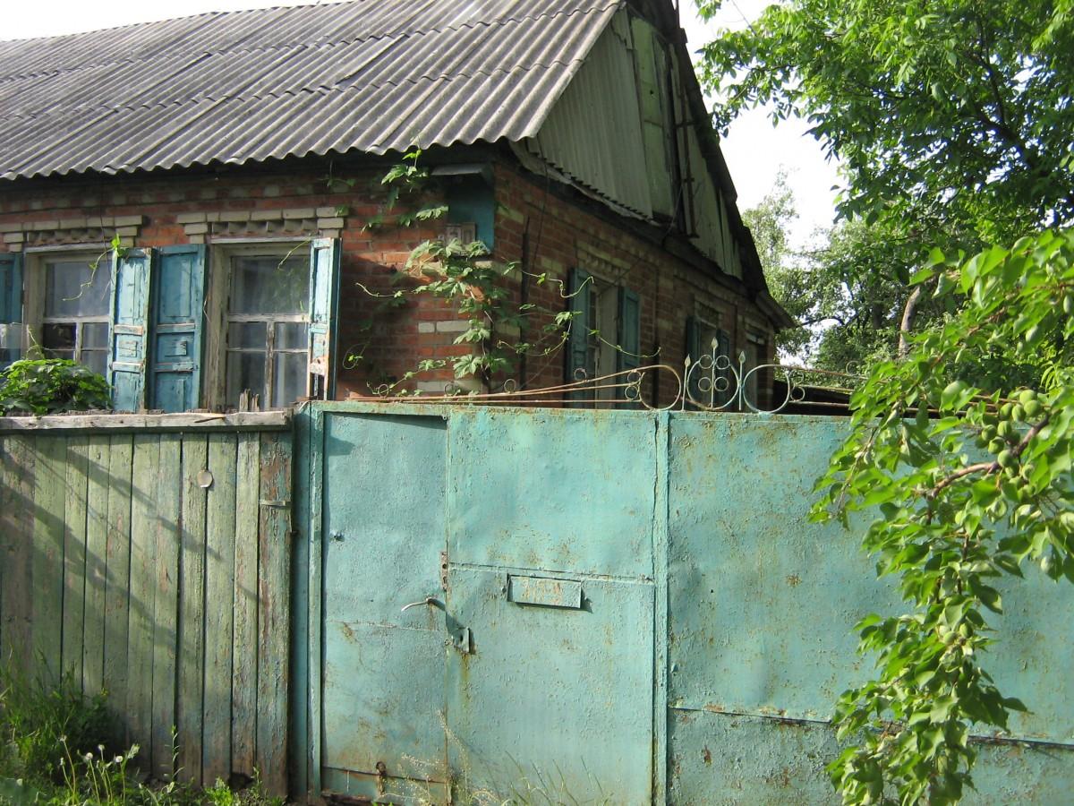 Продам дом под кап. ремонт