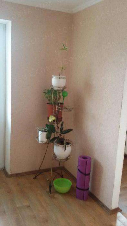 Продаётся четырёхкомнатная квартира на Нивках, улица Туполева