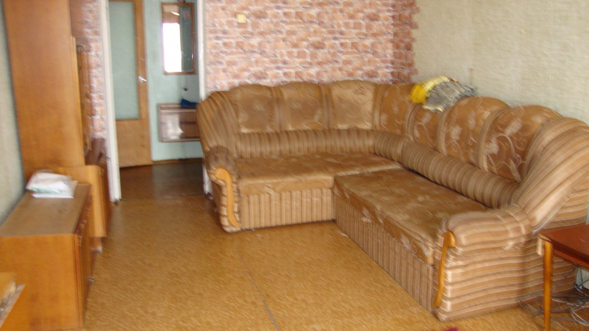 Продам однокомнатную квартиру в Украинке на берегу Днепра