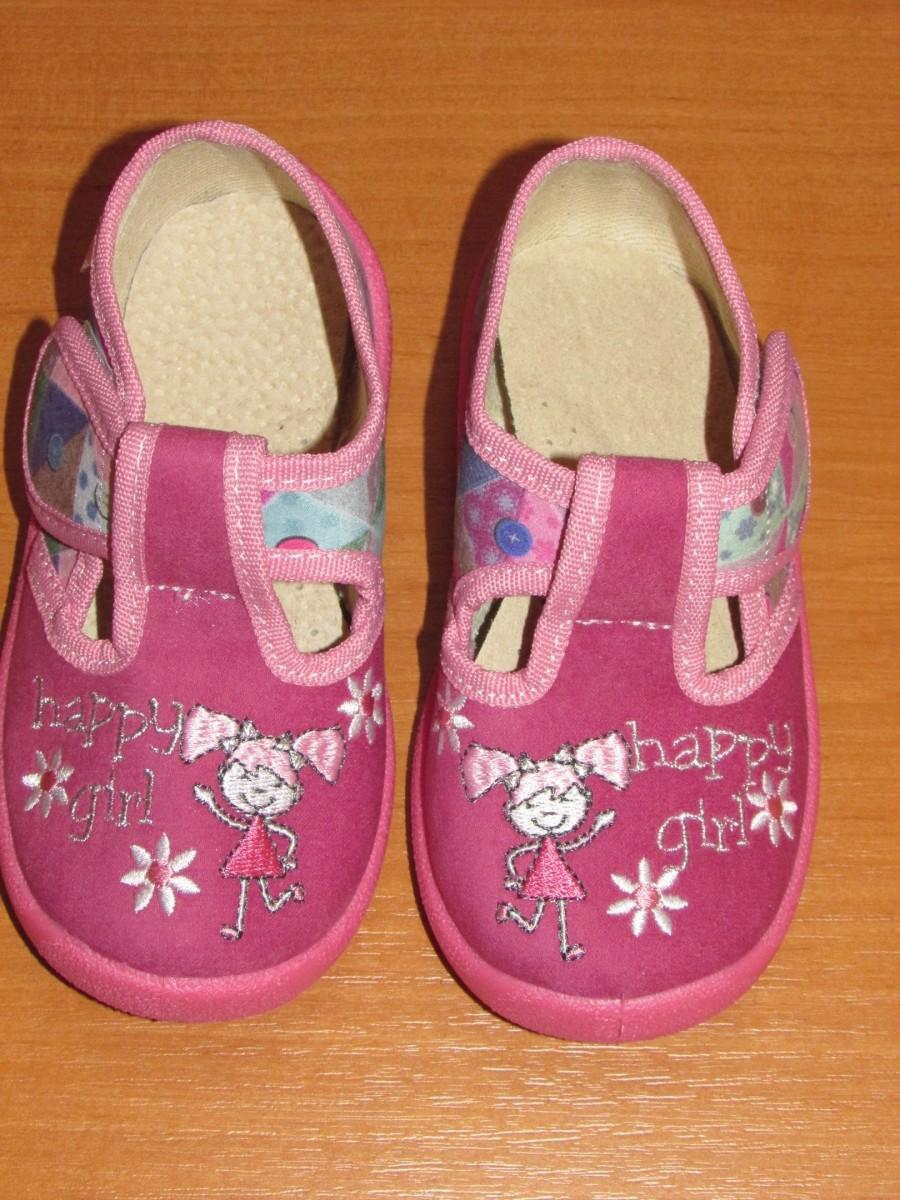 Удобные сандали для девочки