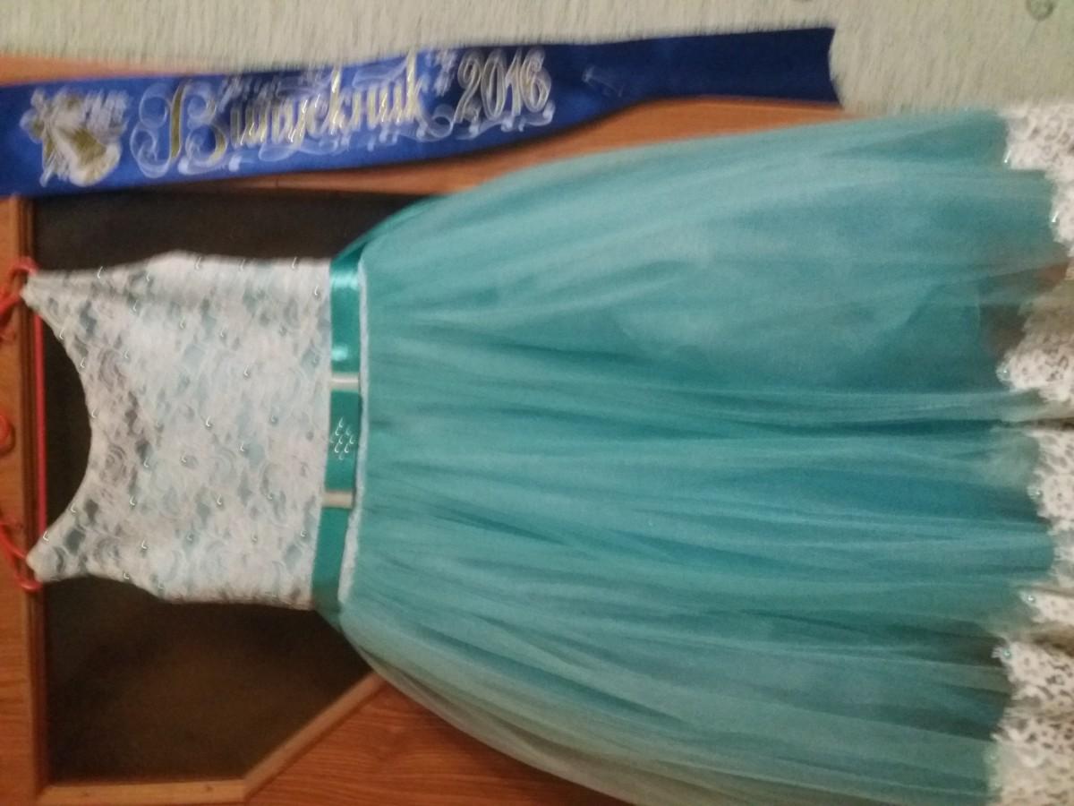 Продам платье на 5-7 лет