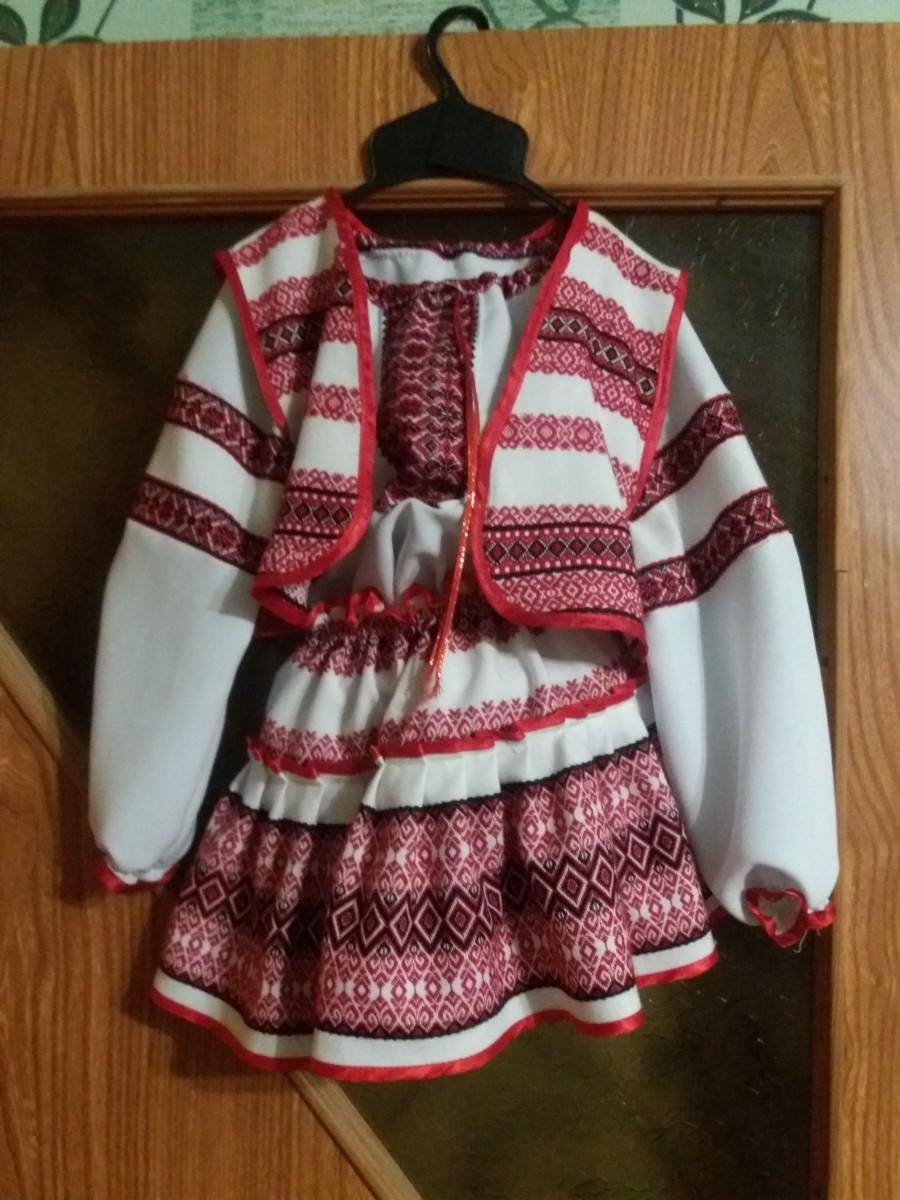 Продам украинский костюм на девочку 2-3года