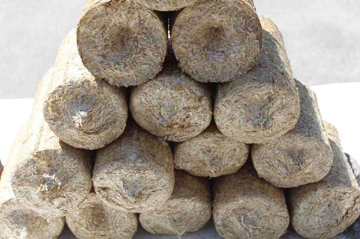 Продам топливные брикеты из соломы 1800 грн/тонна