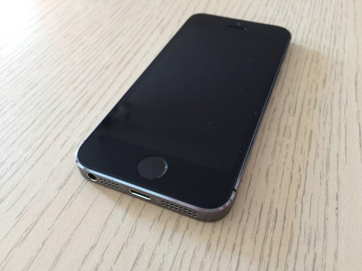 Продам свой IPHONE 5s на 32ГБ. Срочно!