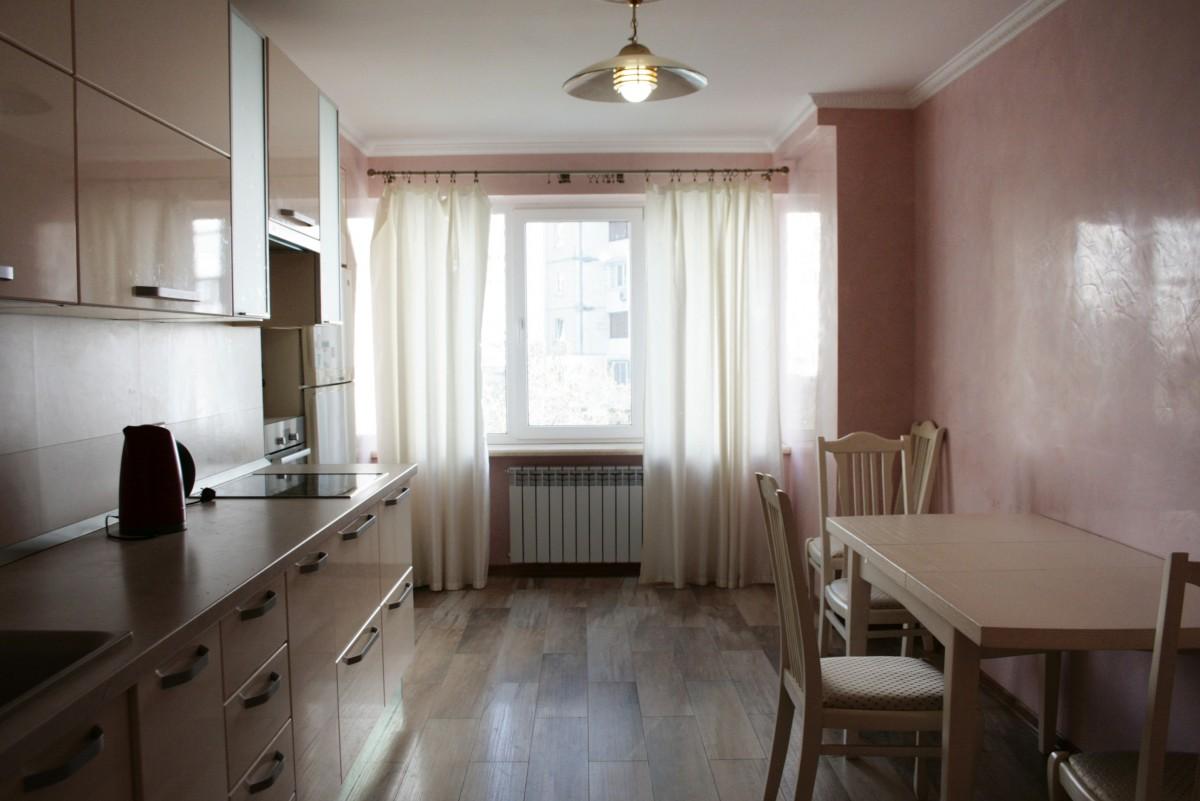 Сдаю 2х комнатную квартиру класса люкс м.Харьковская