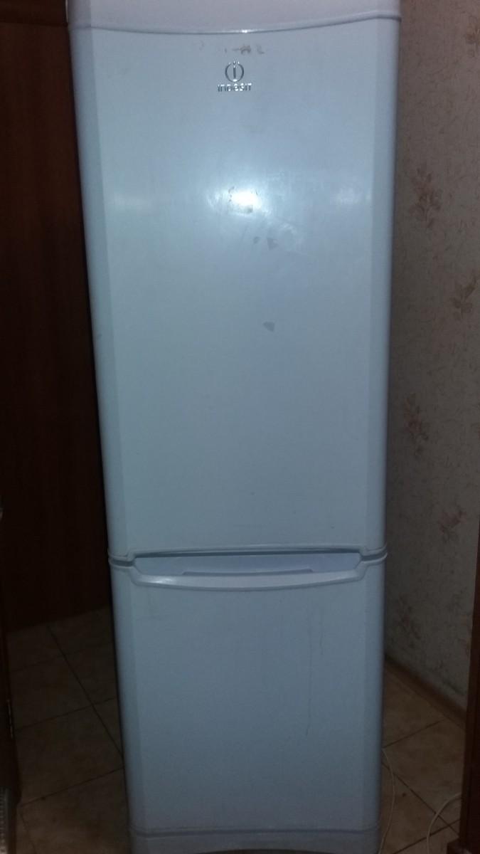 Продам б/у холодильник INDESIT (NO FROST)