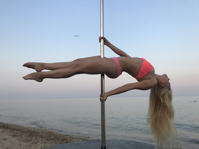 Pole Dance & Fitness Студия для взрослых и детей.