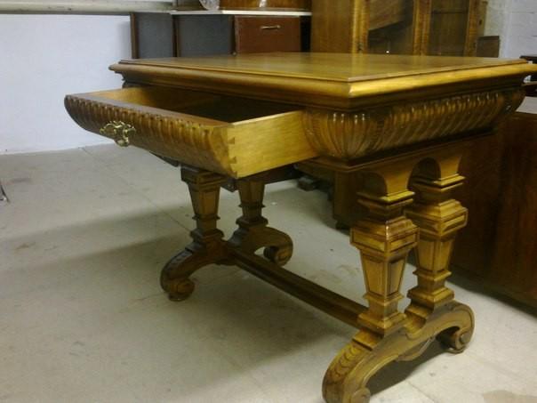 Куплю письменный стол, можно по типу бюро, довоенный