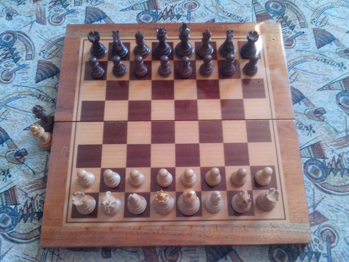 Шахи [шахматы] подарункові -3 (самшит, палісандр)
