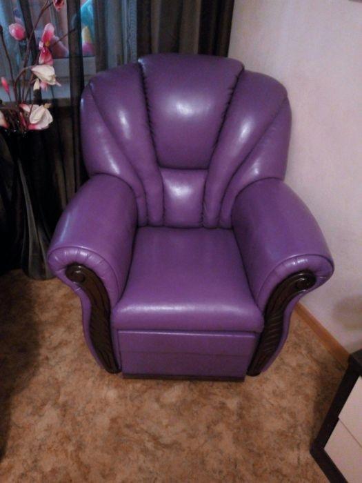 Диван с креслами. Кровать. Кресла.