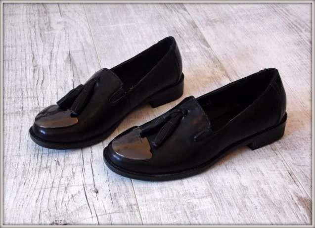 Лоферы туфли черные экокожа с кисточками в стиле Ncori Corn