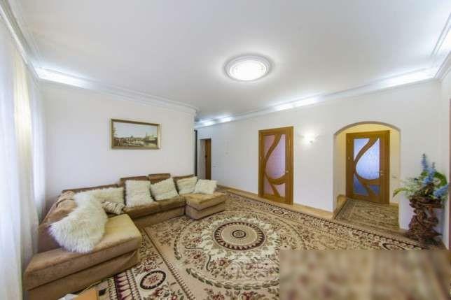 Сдам квартиру в центре по ул Лаврская .