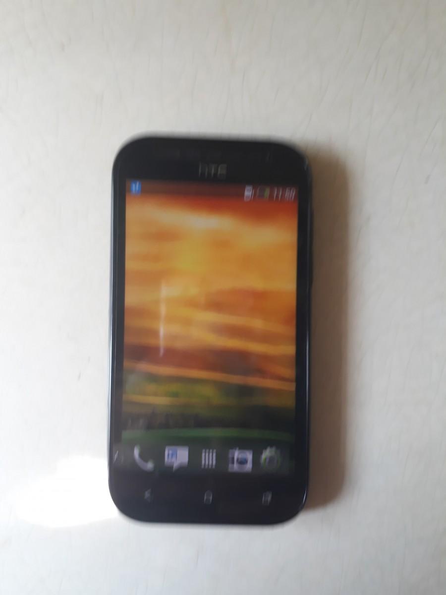 Продам смартфон HTC
