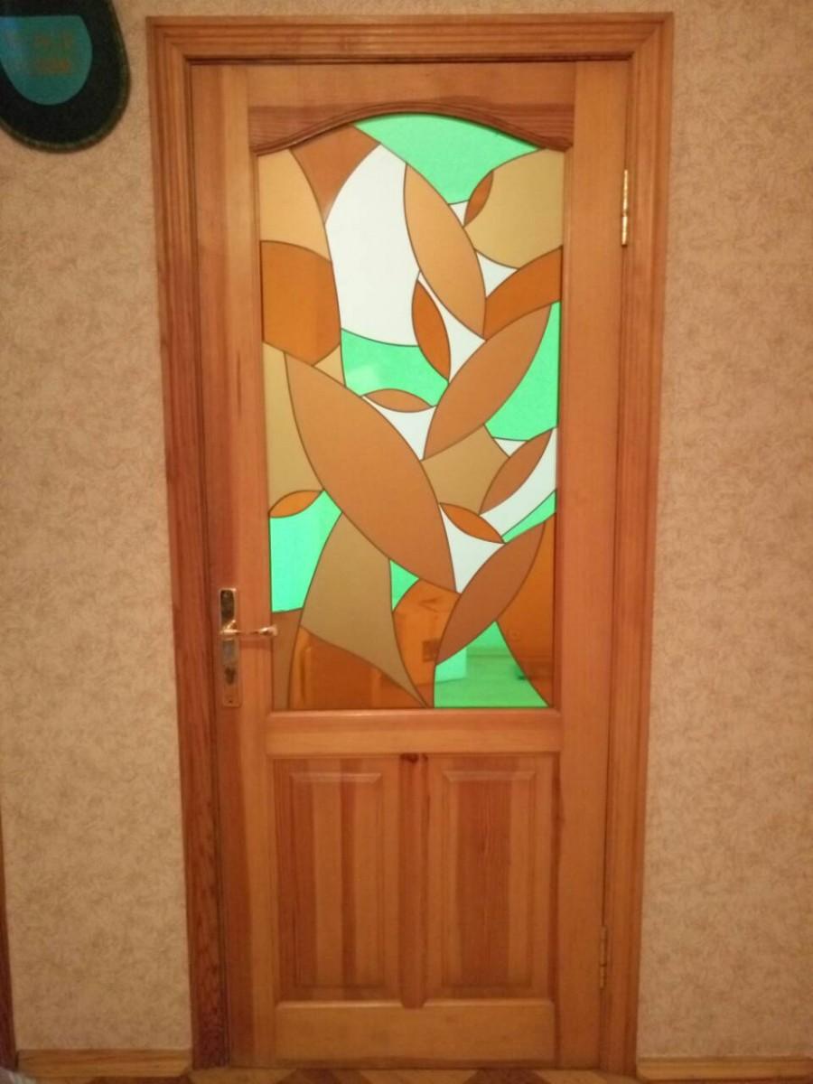 Двери межкомнатные дереванные