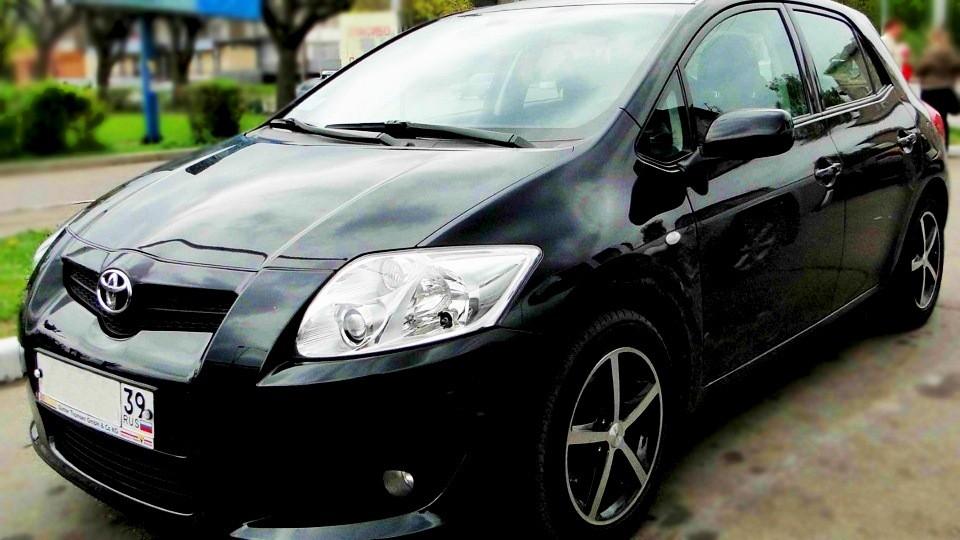 Toyota auris капот бампер фара зеркало стоп двери запчасти розборка