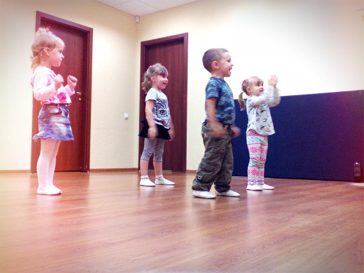 Танцы для маленьких, набор от 3 лет, Борщаговка