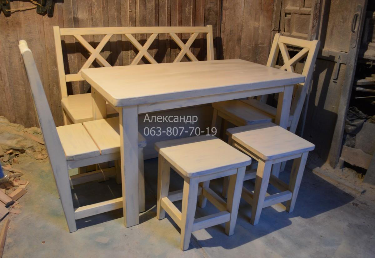 Деревянный кухонный комплект №4 ( стол, стулья, табуреты )