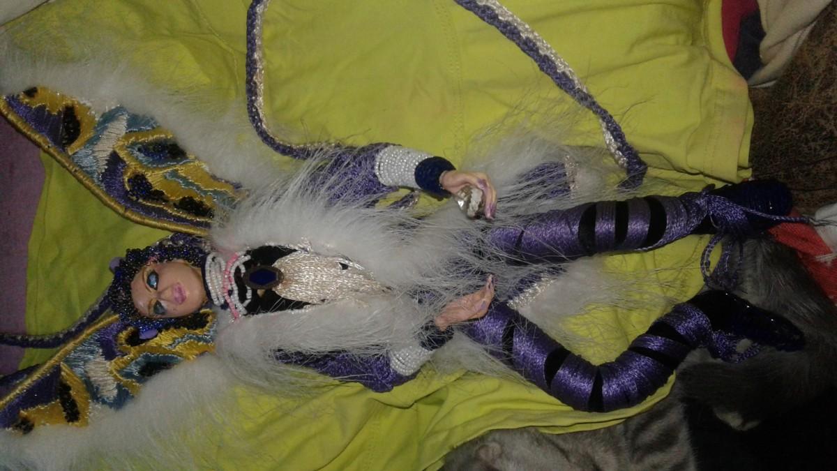 Продам глиняну  ляльку ручної  роботиi