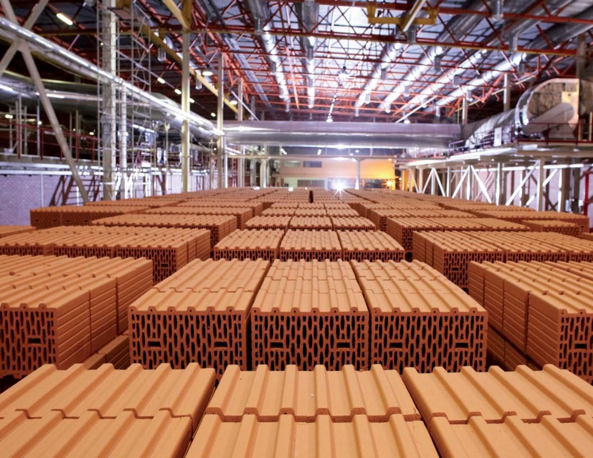 Работа в Польше на производстве кирпича для строек