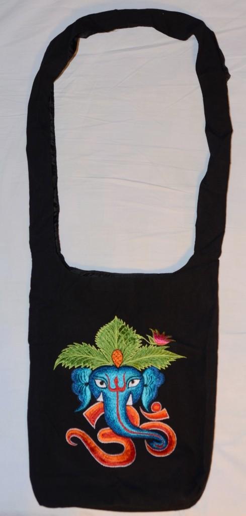 Стильная сумка на плечо с вышивкой (слон). Индия. Ручная работа!