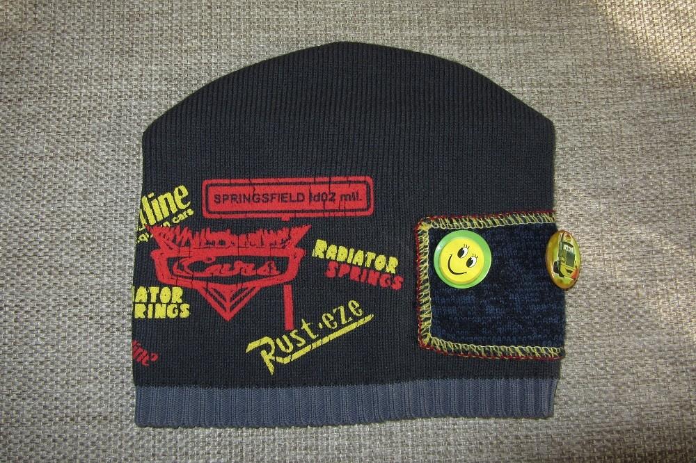 Демисезонная шапка на мальчугана