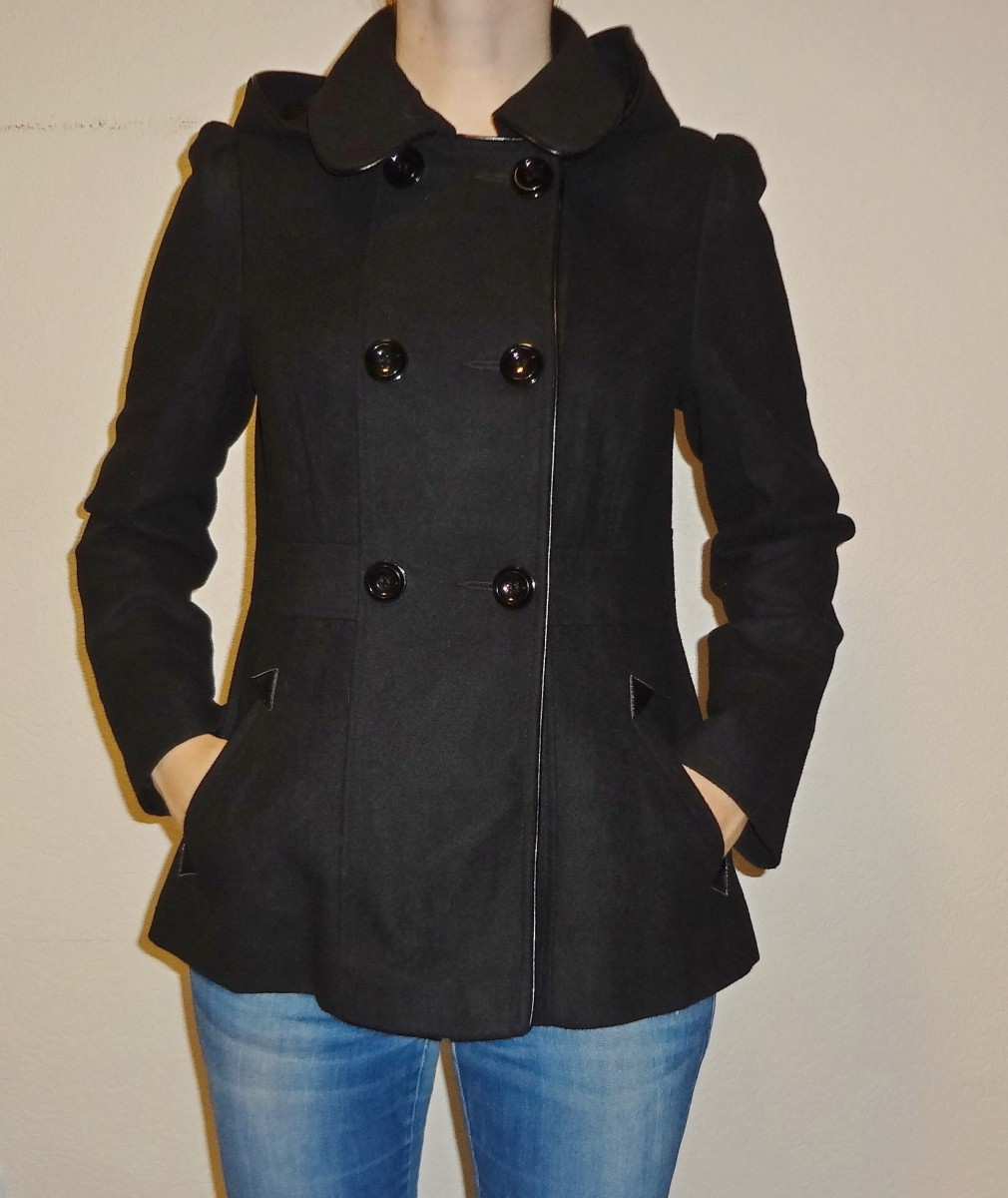 Черное пальто демисезонное с капюшоном