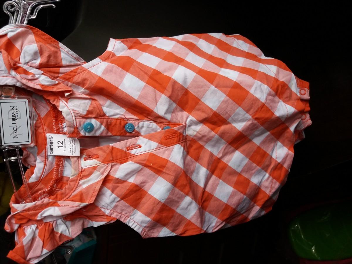 Продам яскраві якісні платтячка Carter's