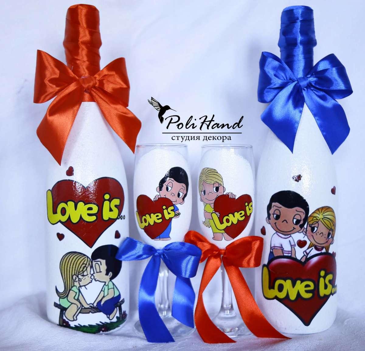 Свадебные бокалы в стиле Love is
