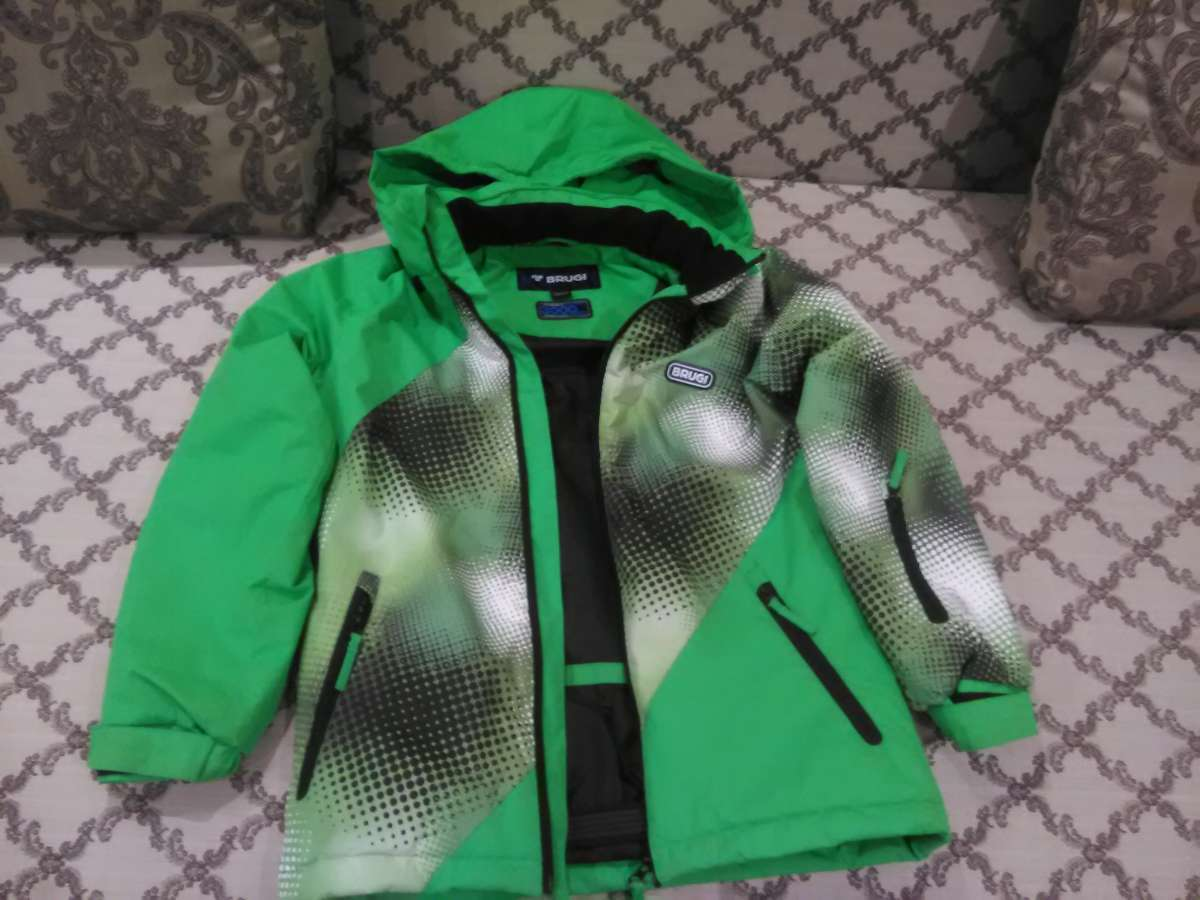 Продам куртку на 134-140рост