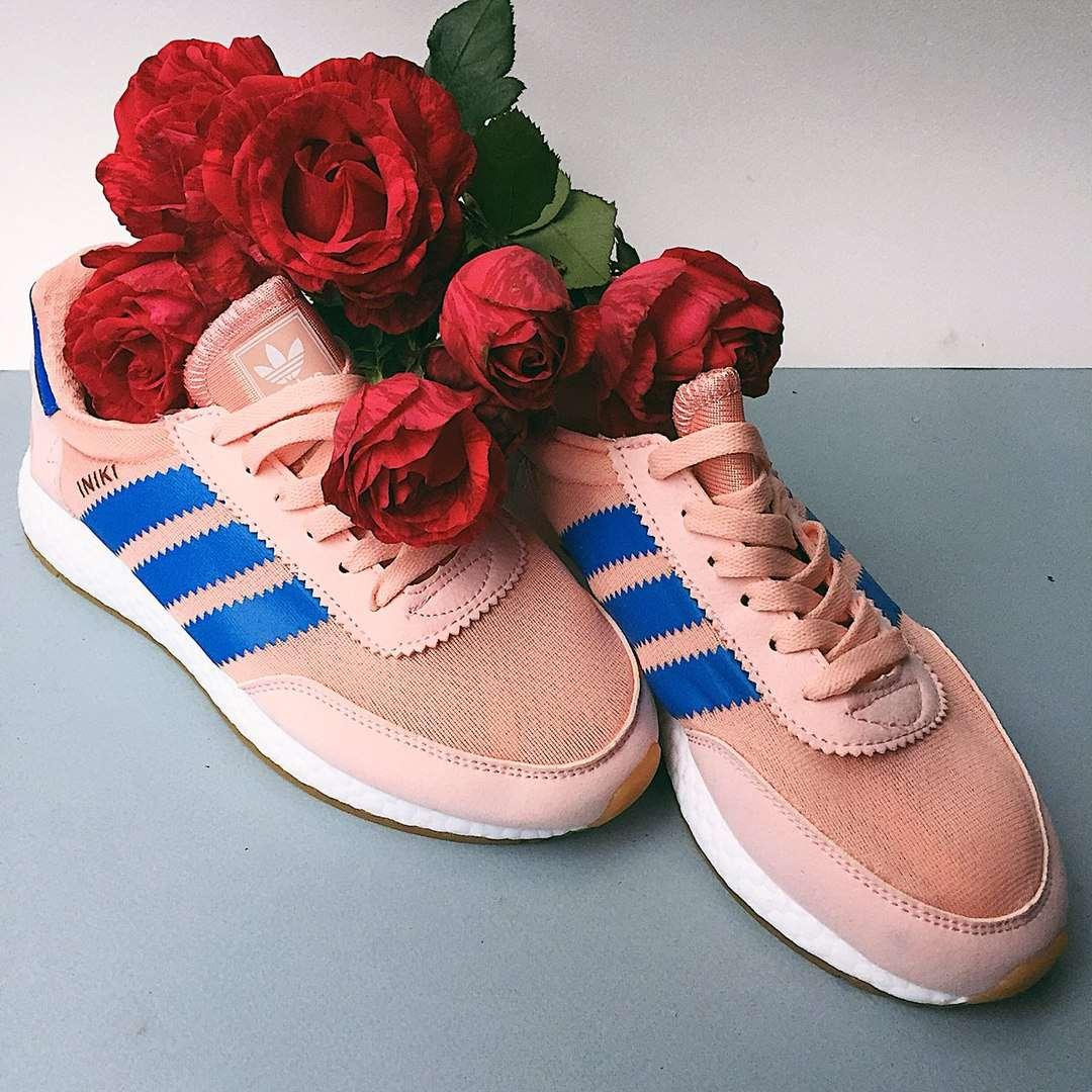 Кроссовки женские Adidas Iniki (2 ЦВЕТА)