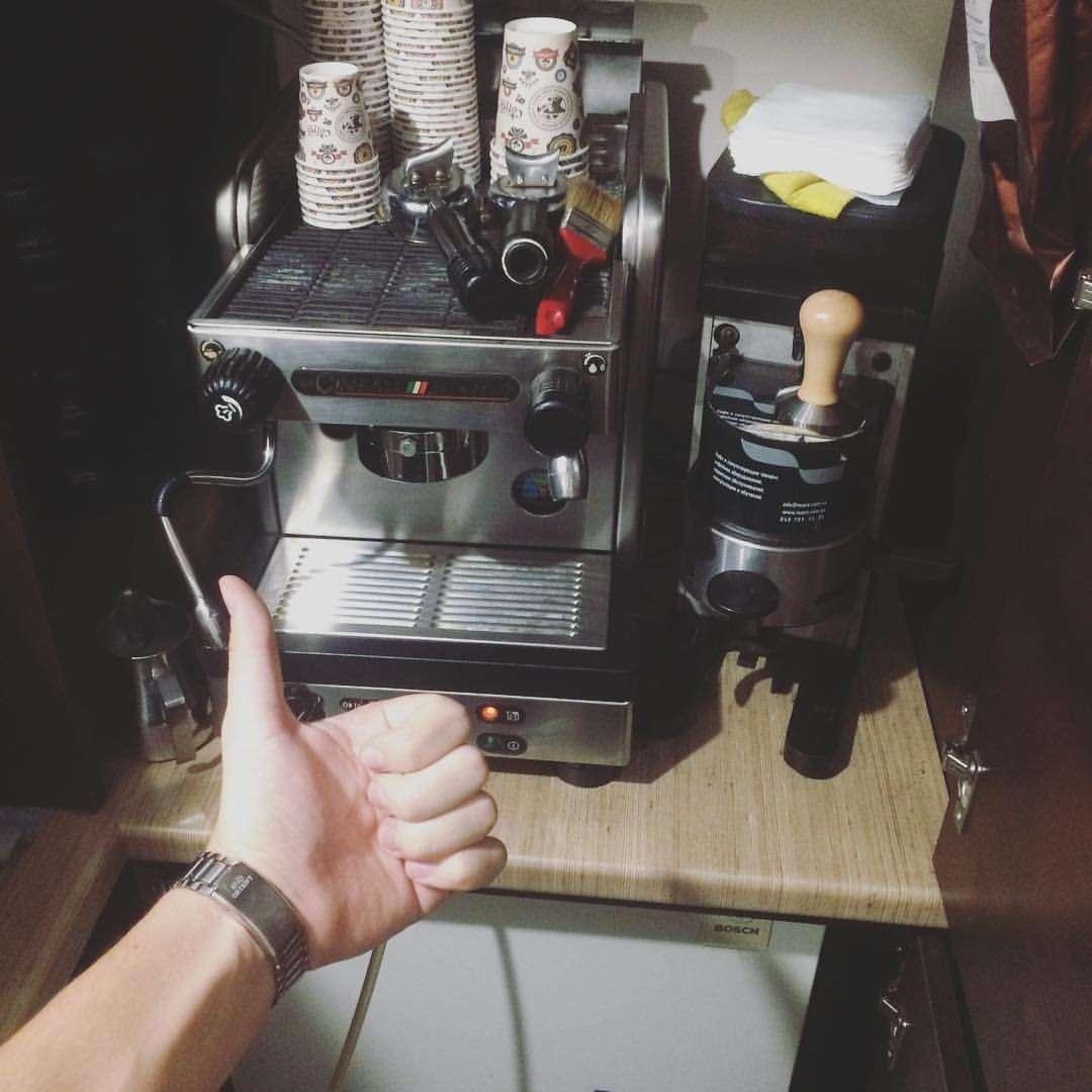 Кофе машина и кофемолка