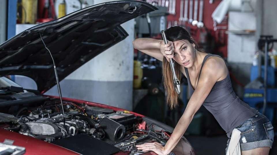 У Франківську тендер по ремонту автомобілів для комунального підприємства у розмірі понад мільйон гривень, виграв підприємець з одним працівником у штаті