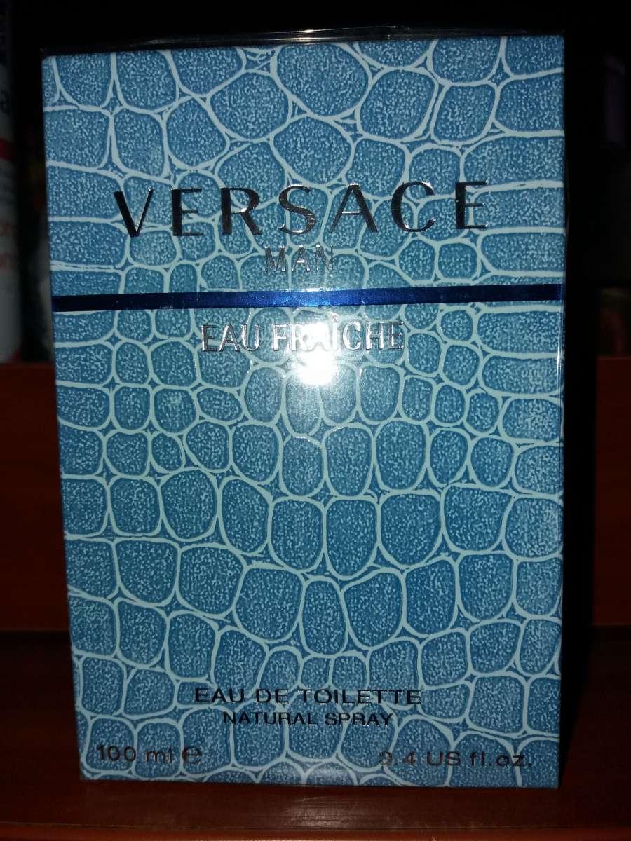 Парфюмированная вода Versace