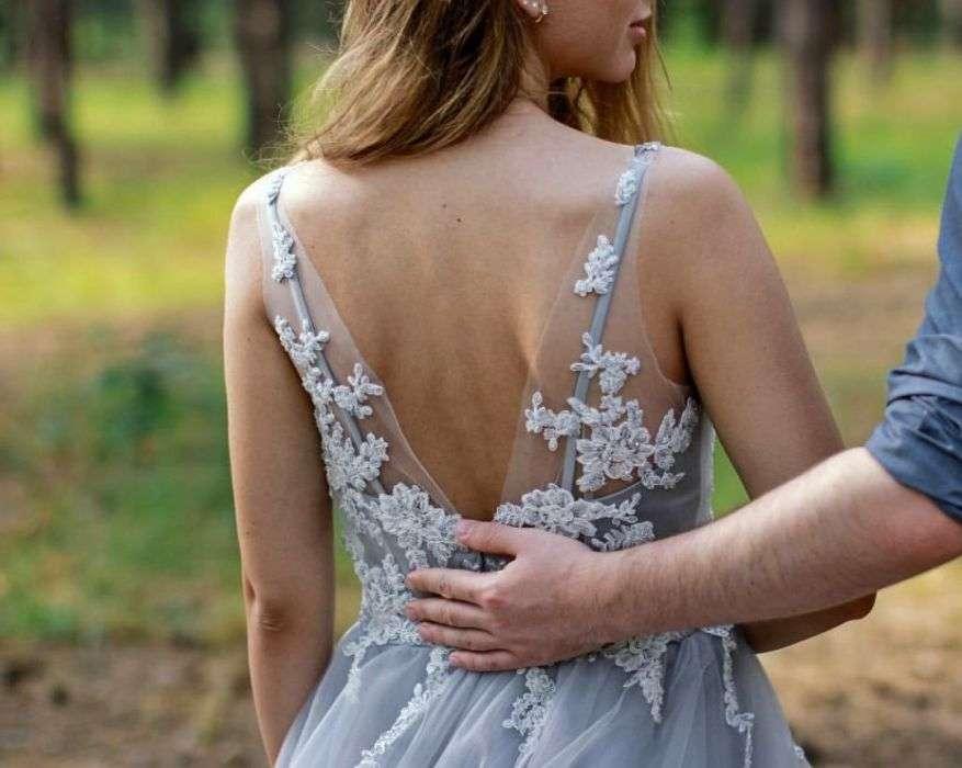 Свадебное платье серо-голубое с лиловым оттенком