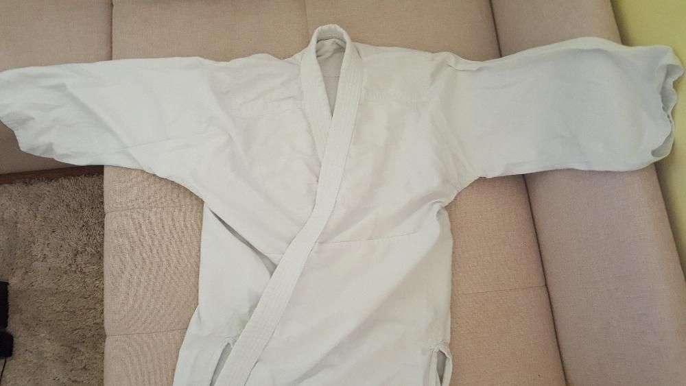 Продам женскую, детскую куртку от кимоно для каратэ айкидо дзюдо