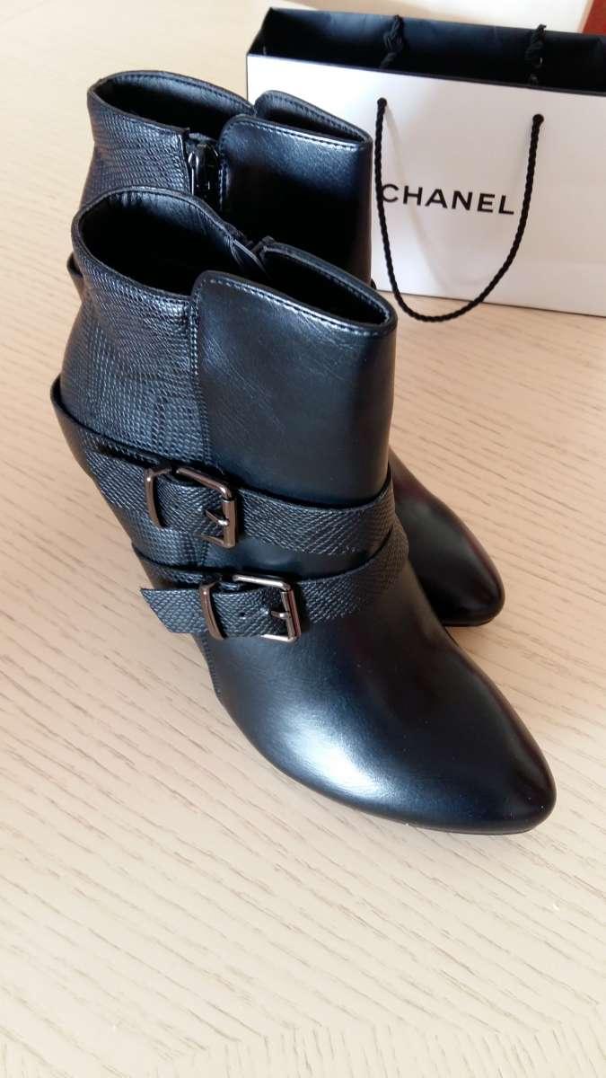 Продам нові ботильйони  660 грн - Мода і стиль   Одяг  взуття Івано ... af43bfa58a4ba