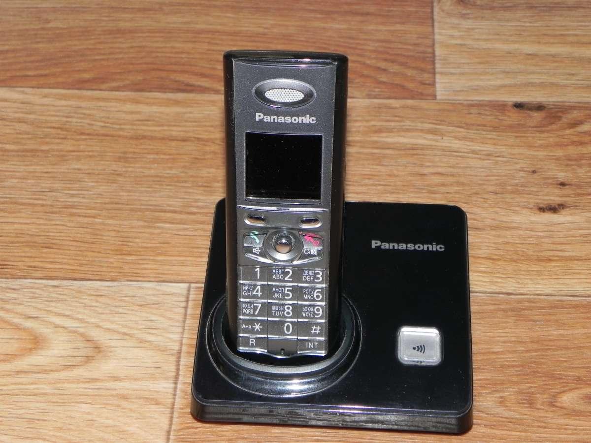 Телефон Panasonic KX-TG8207UA