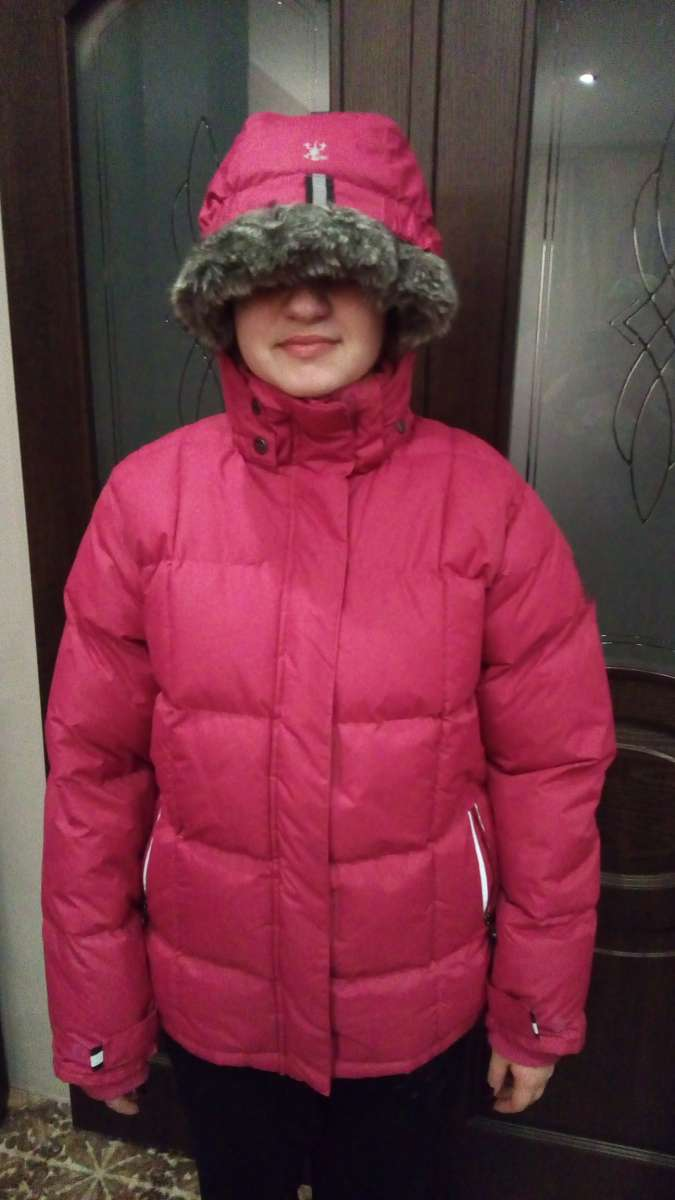 Продам зимнюю куртку (женская)