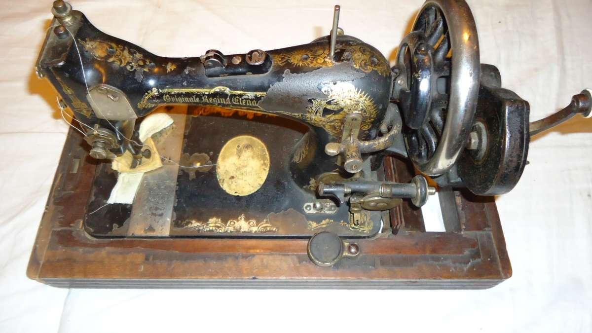 Швейная машинка REGINA ELENA